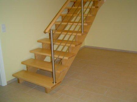 treppe ahorn gel nder f r au en. Black Bedroom Furniture Sets. Home Design Ideas