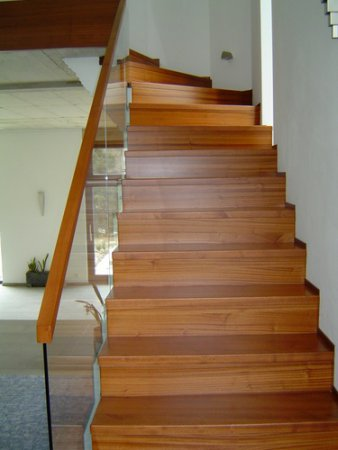 holz treppenstufen verl ngern gel nder f r au en. Black Bedroom Furniture Sets. Home Design Ideas